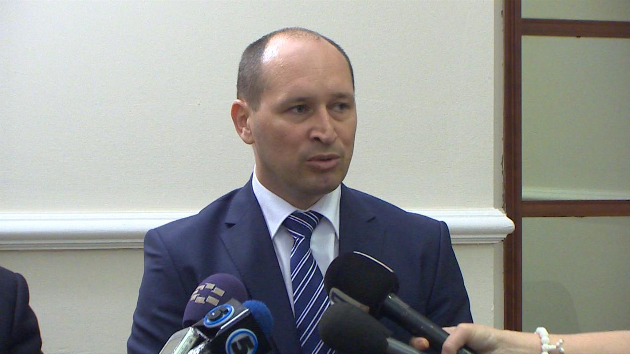 Миноски: СДСМ да не ги зголемува даноците, тоа ќе предизвика затворање на фирми