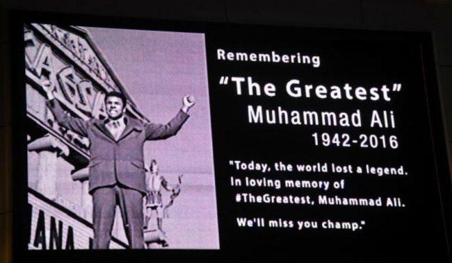 Американците продаваат бесплатни влезници за погребот на Мухамед Али