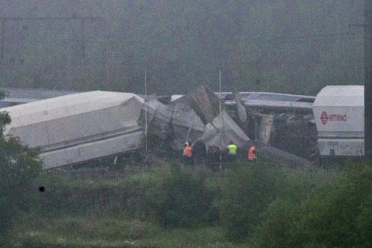 Тројца загинаa, а девет се повредени во железничка несреќа во Белгија
