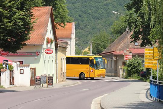 Франција: Пукање во чешки автобус, шестмина повредени