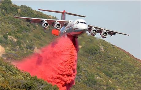 Стотици луѓе евакуирани поради шумските пожари во околината на Лос Анџелес