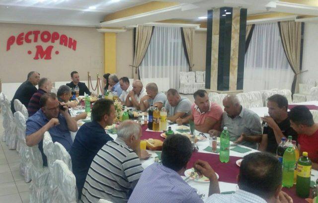 ФОТО: Ристовски на Ифтар вечера со верниците од Долнени