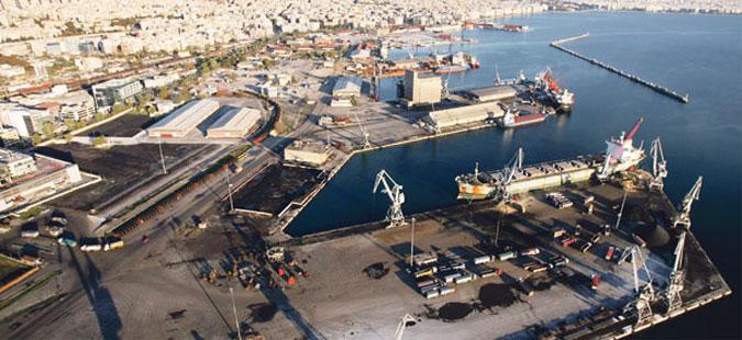 Пристаништата во Пиреја и Солун ќе бидат затворени поради штрајк