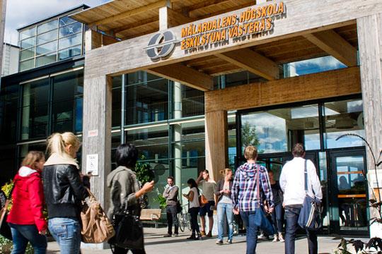 Шведска: Вратена школарина поради лошо образование