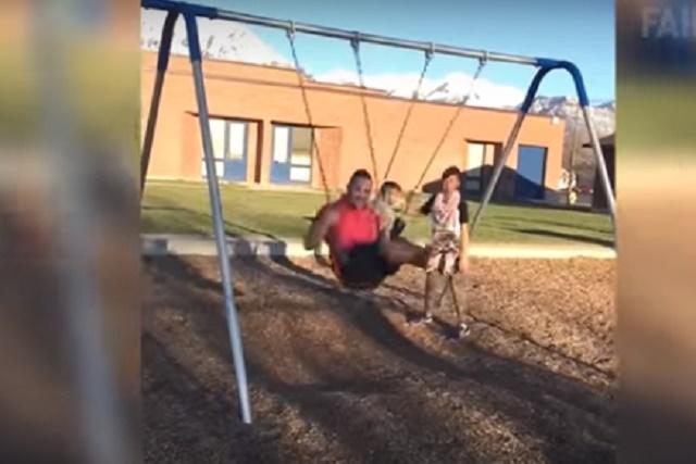 ВИДЕО: Кога татковците се трудат да ги импресионираат децата…
