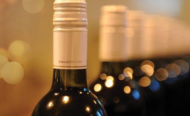"""Злато и сребро за две врвни вина на """"Тиквеш"""" од бербата 2015"""