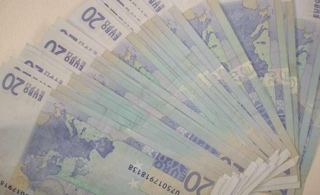 20_Euro_banknotes11
