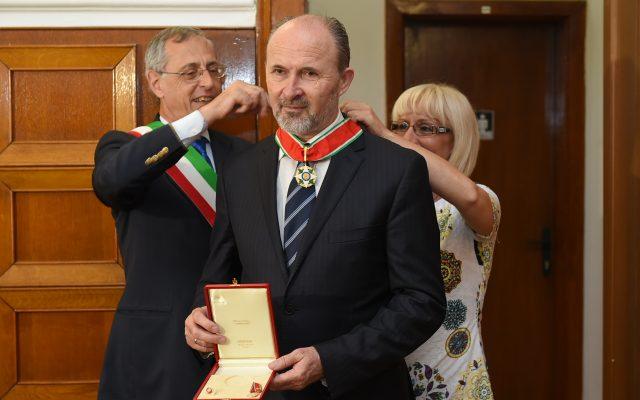 Градоначалникот Трајановски одликуван за Командант од редот Ѕвезда на Италија