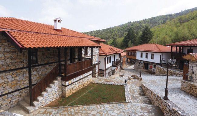besplaten-vlez-i-avtobus-od-gradot-za-posetitelite-na-makedonsko-selo-251534