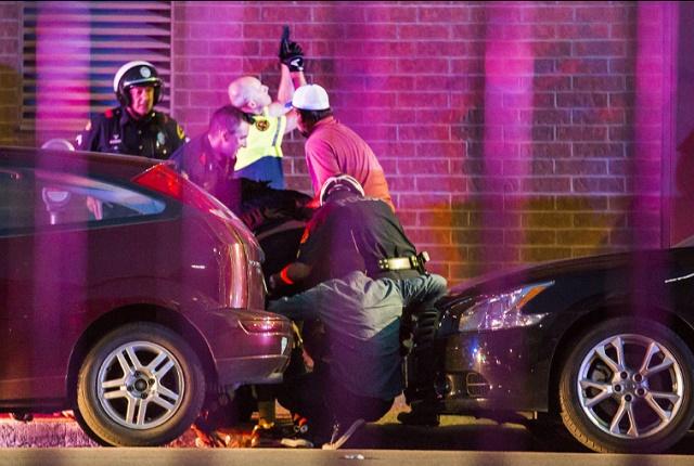 ВИДЕО: Крвава ноќ во Далас – 4 полицајци убиени, 7 повредени