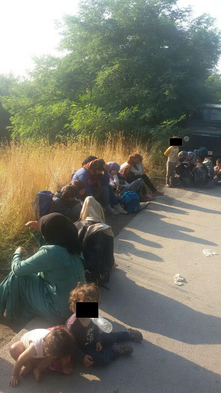ФОТО: Велешанец во камион превезувал 73 мигранти