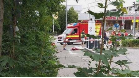 ВИДЕО: Напаѓачот од Минхен пука во кого ќе стигне