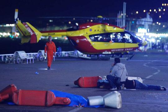 Саркози: Владата е виновна за нападот во Ница