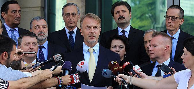 Орав: Партиите што поскоро да договорат решение за кризата