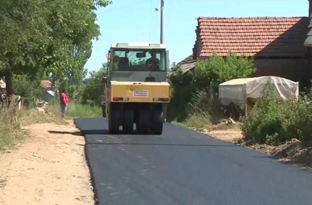 ВИДЕО: Исполнето уште едно ветување – започна обновата на патот за Вашарејци
