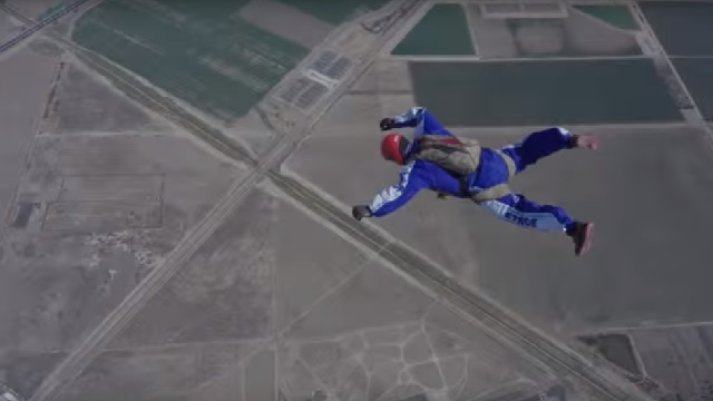 ВИДЕО: Скокнал од 7 километри височина без падобран