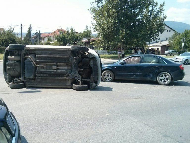 ФОТО: Сообраќајка на раскрсница во Лисиче