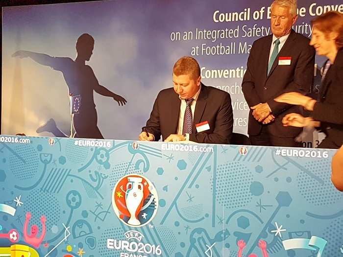 Спасески ја потпиша новата Конвенција за безбедност на фудбалските натпревари
