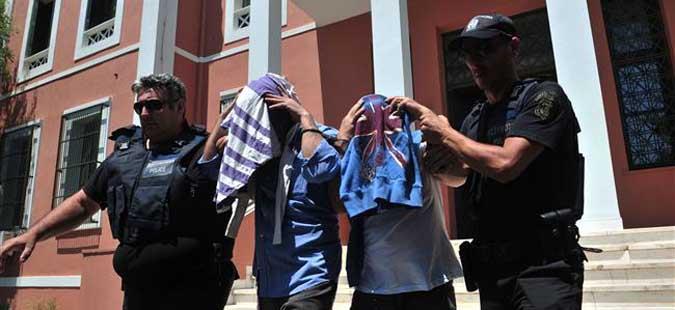 Одложена процедурата за азил за осуммината турски офицери во Грција