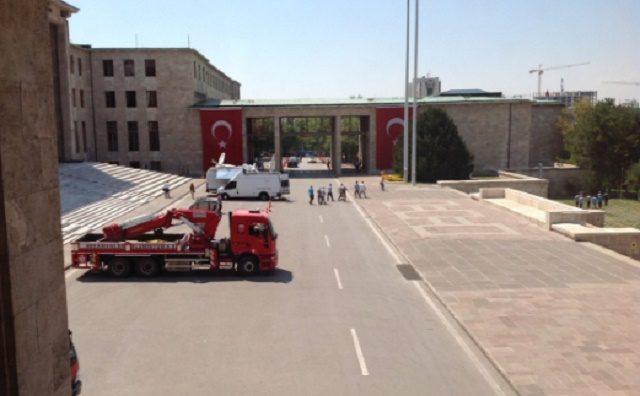turski-parlament-evakuiran