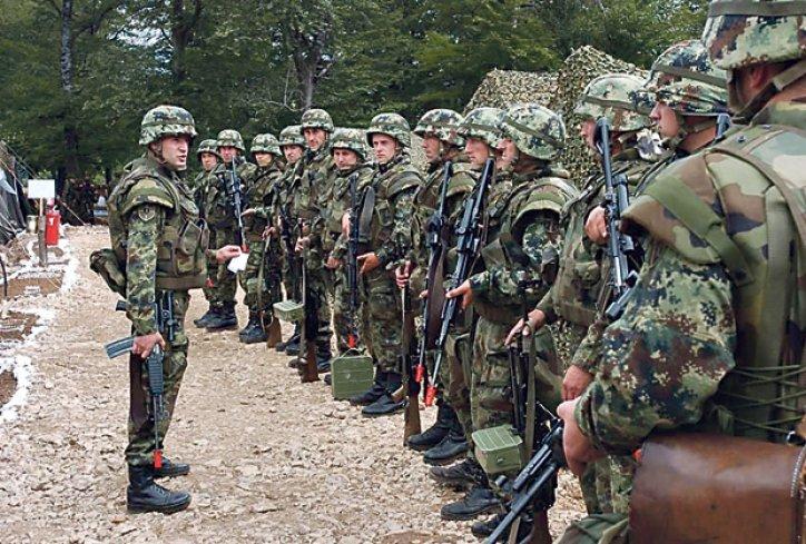 Србија испраќа војници и полиција на границата со Македонија и Бугарија