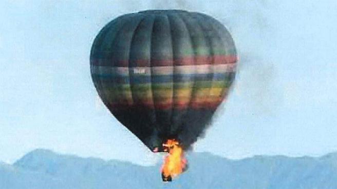 ВИДЕО: Се запали балон во Тексас, најмалку 16 лица загинаа