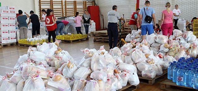 Црвен крст: Дистрибуирани 17.662 пакети со храна, собрани над 200 илјади евра