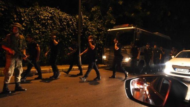 Недостигот од гориво го попречило уривањето на авионот на Ердоган