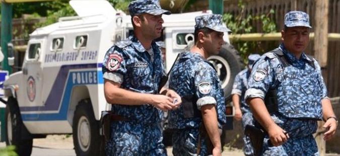 Уапсени шестмина осомничени за нападот на полициската станица во Ереван