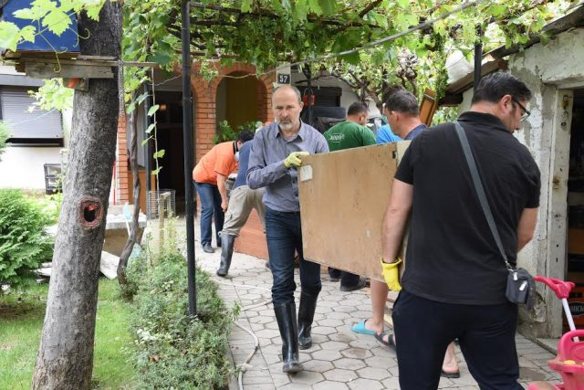 Eкипи на Градот деноноќно на терен во поплавените региони