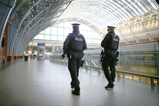 Напаѓачот во Лондон е 19-годишник со нарушено ментално здравје