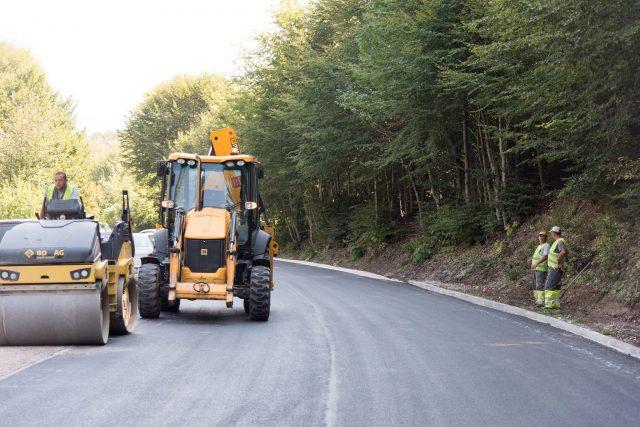 Во завршна фаза изградбата на регионалниот пат Ново Село – Маврово