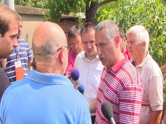Тодоров и Спасов на терен, се доставува потребната помош