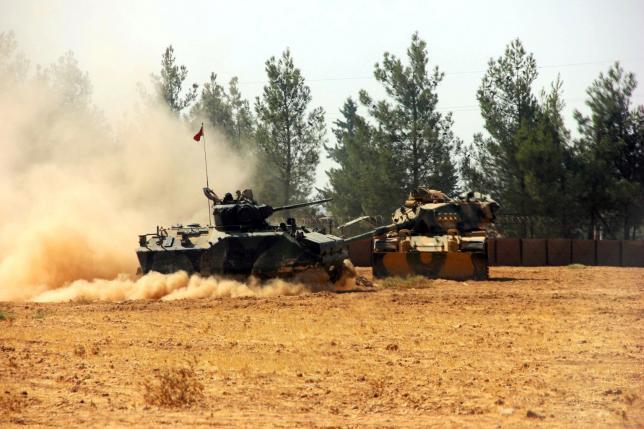 Турски тенкови преминале од граничниот град Каркамаш во Сирија
