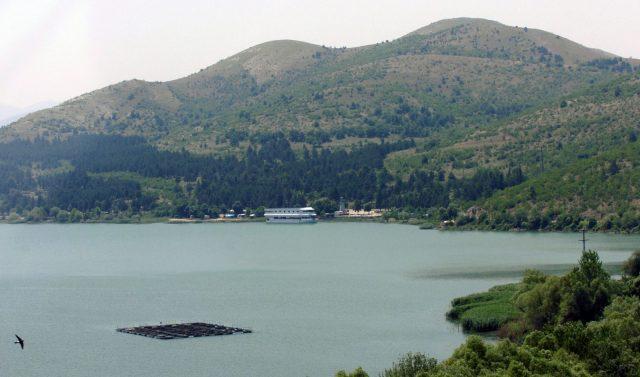 Се трага по мажот кој се удави во Велешко езеро