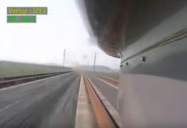 ВИДЕО: Воз се движи со 500 км/ч и лебди над шините