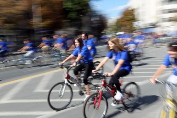 Големо велосипедско дефиле во Скопје