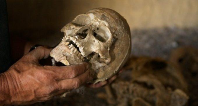 """ОЈО Гостивар го заврши подигнувањето на коските од пештерата """"Череп"""""""