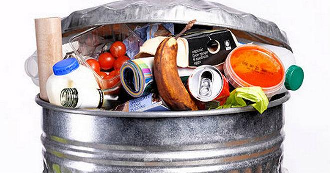Илјадници тони храна секоја година завршува на депонија