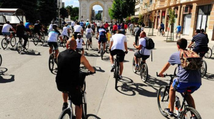 Со велосипеди низ Скопје за Денот без автомобили