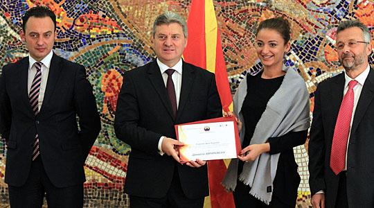 """Доделени 20 стипендии """"Борис Трајковски"""" за мастер студии на Шефилд универзитетот"""