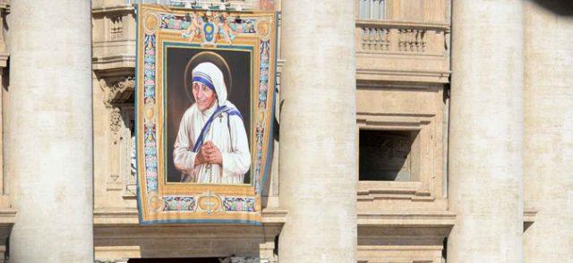 "Во Рим отворена изложбата ""Мајка Тереза – светицата од Скопје, светицата на светот"""