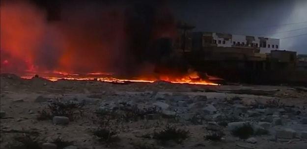 ВИДЕО: Милитантите на ИД ги поплавија улиците со нафта и го запалија градот