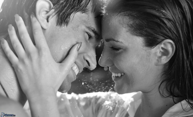 pictures-4ever-eu-happy-couple-laughter-160566