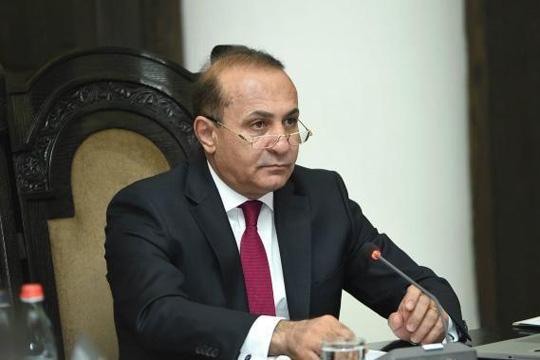 Ерменскиот премиер поднесе оставка