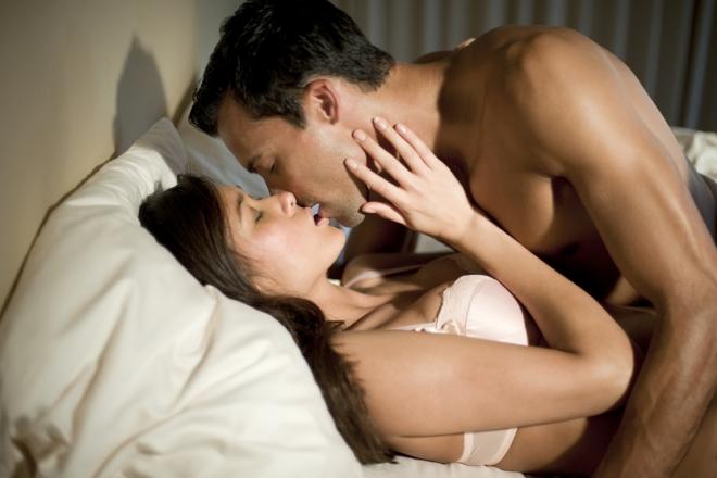 Еве што прво гледа мажот, кога жената ќе се соблече