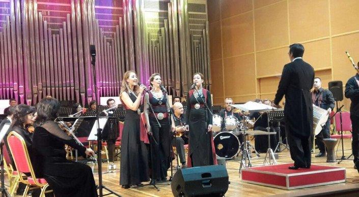 """Гала концерт на """"Синтезис"""" во Алмати"""