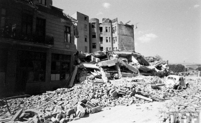 skopje-zemjotres-1963-niz-objektivot-na-life-1290