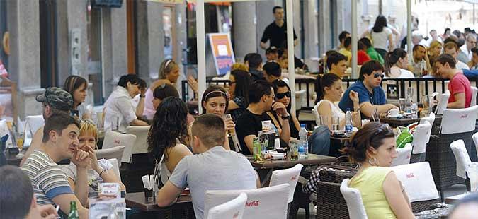 Околу 200 илјади млади луѓе во Србија се невработени