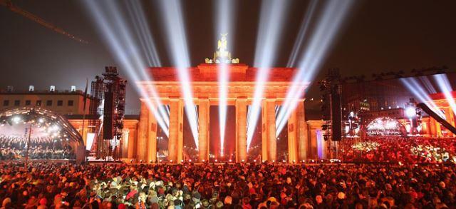 Цели 26 години од обединувањето на Германија